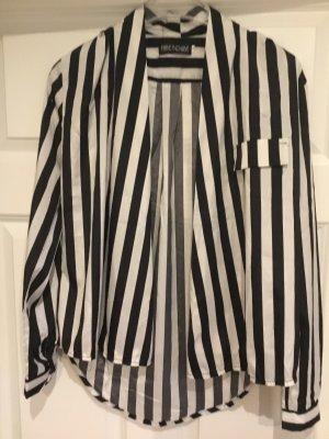 Schwarz-weiß gestreiftes Hemd/Bluse