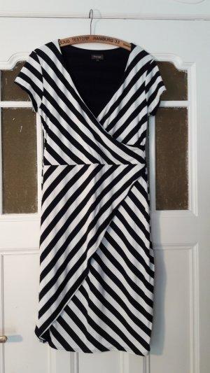 Schwarz-weiß gestreiftes Kleid in Wickel-Optik