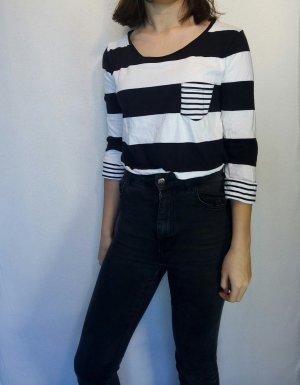 schwarz/weiß gestreiftes Shirt