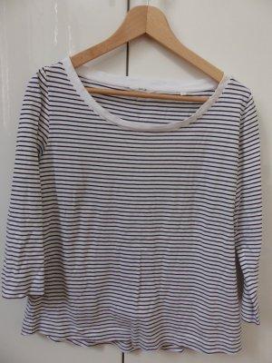 schwarz-weiß gestreiftes Shirt mit dreiviertel Arm
