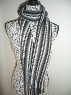 Schwarz/weiß/grau gestreifter Schal mit Fransen