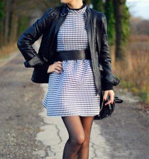 Schwarz - Weiß Houndstooth Kleid von Forever 21