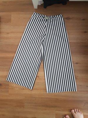 schwarz weiß karierte Hose