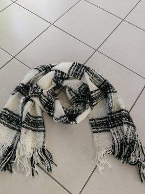 Schwarz weiß karierter Schal