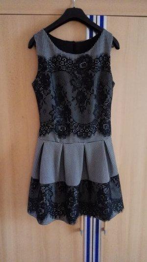 Schwarz weiß Kariertes ausgestelltes Kleid mit schwarzer Spitze Größe 36 S