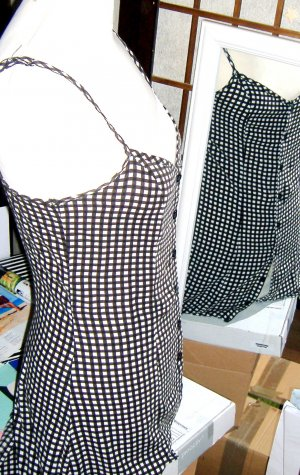 Schwarz-weiss Kreuz Design Longtop Bluse
