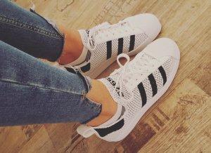 Schwarz-weisse Adidas Original