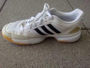 Schwarz weiße Adidas Sportschuhe