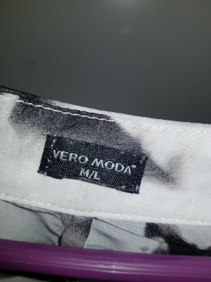 Schwarz/ weiße Bluse von Vero Moda