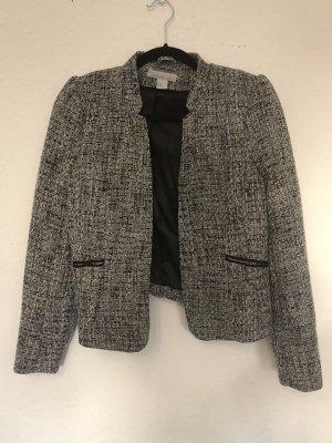 Schwarz-weiße Jacke