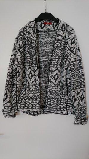 Schwarz weiße Jacke mit Ethno-Muster von Esprit