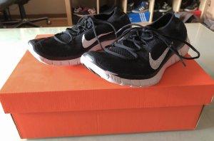 Schwarz weiße Nike Free Sneakers 37,5