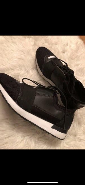 Schwarz weiße sneaker