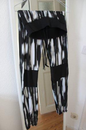 Schwarz weiße Sporthose / Sport Tights  / Laufhose