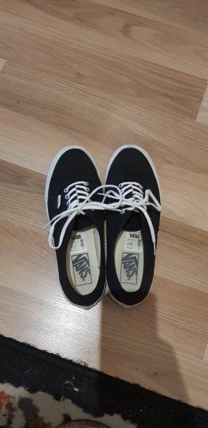 Schwarz/weiße Vans