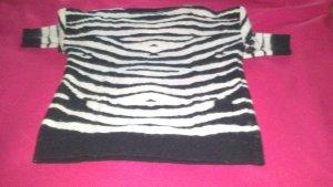 schwarz-weißer Angora Pullover