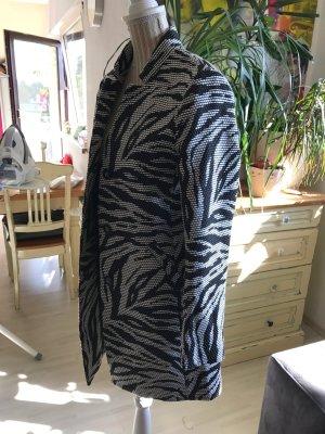 Schwarz/Weißer Mantel von H&M