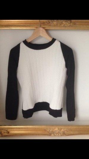 Schwarz weißer Pullover