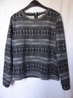 Schwarz-weißer Sweat-Pullover mit Muster von H&M