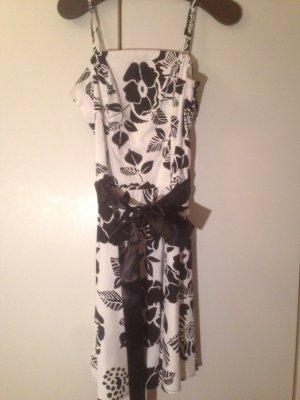 b.p.c. Bonprix Collection Robe blanc-noir