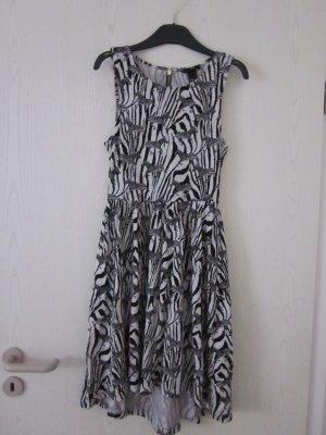 schwarz weißes Kleid mit Zebraaufdruck
