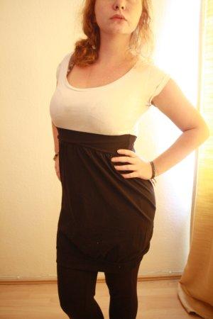 Schwarz-weißes Kleid von Gina Tricot