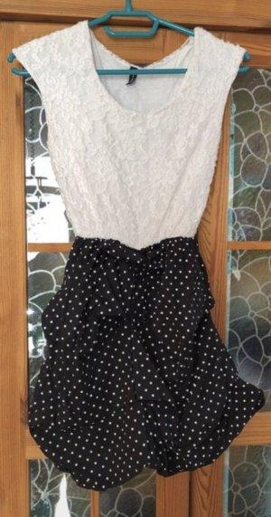 Schwarz-Weißes Kleid von KBK