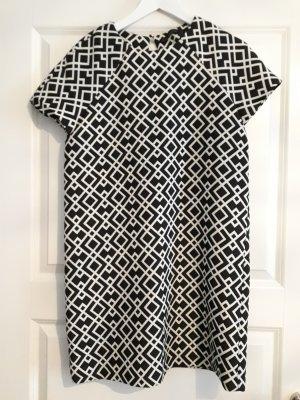Schwarz-weißes Kleid von Zara