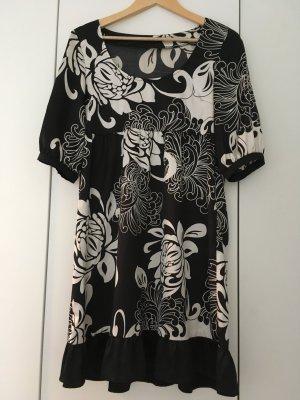 Schwarz weisses leicht gänzendes Kleid, Gr. 40