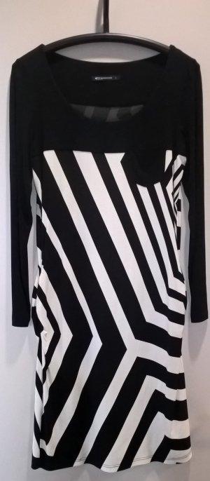 Schwarz.weißes Strickkleid mit langen Ärmel