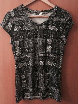 Schwarz weißes tshirt mit schönem Muster