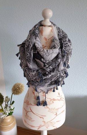 Schwarz-weißes Tuch, leichter Schal mit Quasten