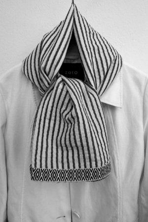 Schwarz-Weißes Tuch von Esprit - ungetragen!
