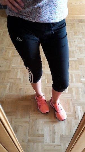 Schwarze 3/4 Fitnesshose von Adidas