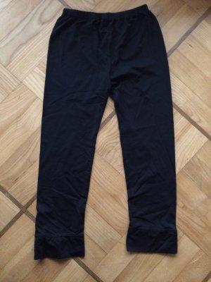 schwarze 3/4 Sporthose