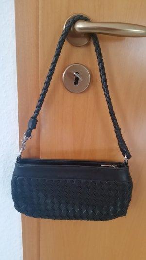 Schwarze Abendtasche