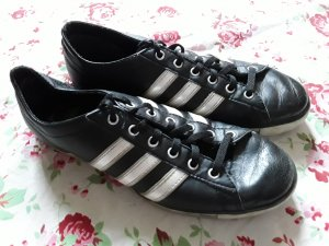 Schwarze Adidas Schuhe
