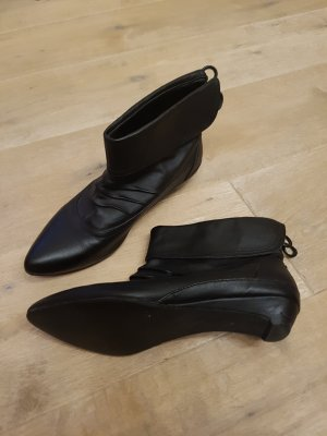 schwarze Ankle Boots