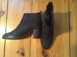 Schwarze Ankle Boots aus Leder Gr. 42