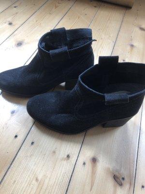 Schwarze Ankle-Boots in Wildleder-Optik