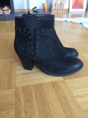 Schwarze Ankle Boots Mit Sternenapplikation