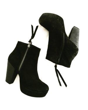 schwarze ankle boots / steve madden / velours leder / used look / edgy
