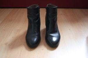 schwarze Ankle Boots von Wonders
