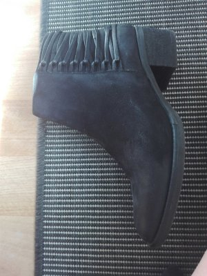 Schwarze Ankleboots, Stiefelletten