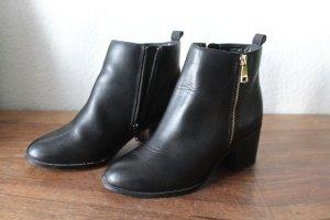 New Look Botas de tobillo negro-color oro Cuero