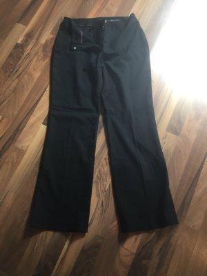 Schwarze Anzughose mit Schlag