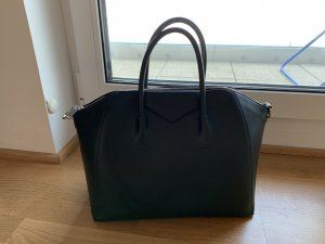 Schwarze Bag
