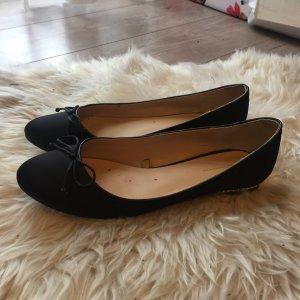 schwarze Ballerinas mit Nieten