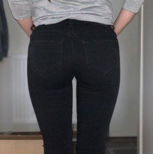 Schwarze Bershka Jeans