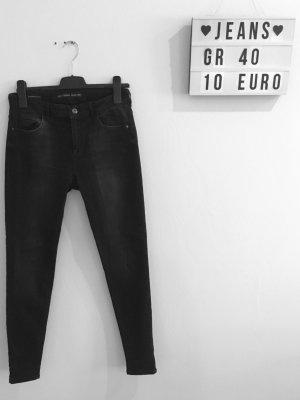 Schwarze Bershka Skinny Jeans, Gr. 40